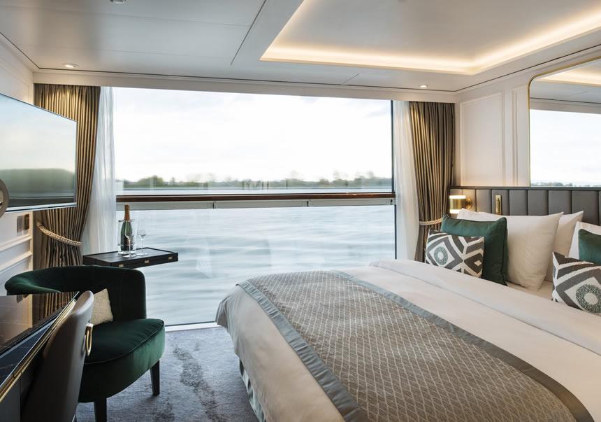 Suite pequeña con balcón ventana panorámica (S5)