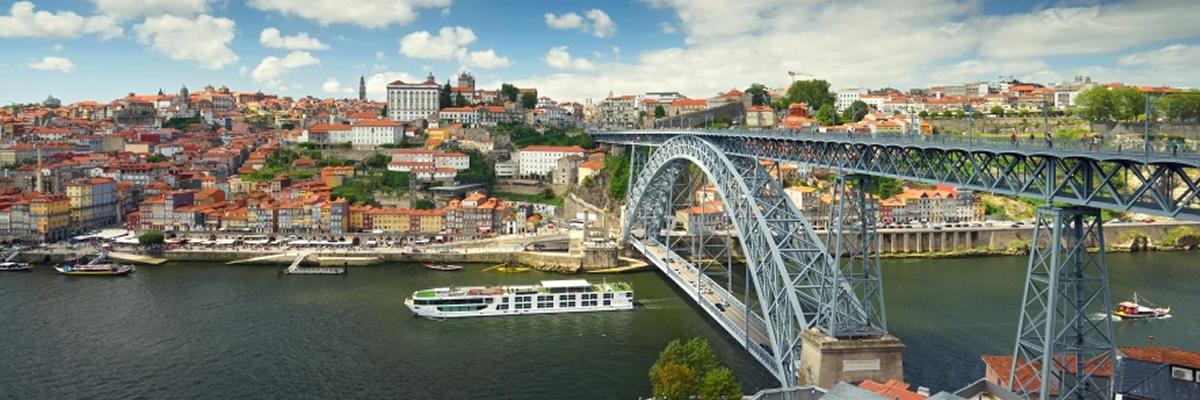 Scenic Azure, puente Dom Luis, Oporto