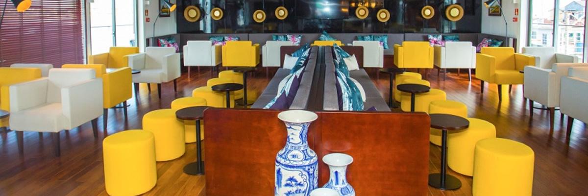 RV Indochine II, salón bar