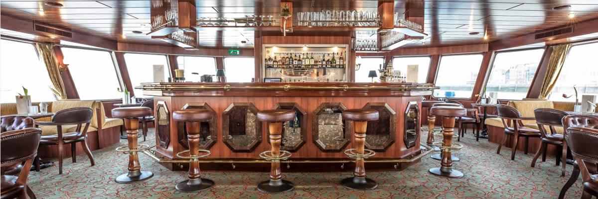 MS Swiss Crystal, bar-salón