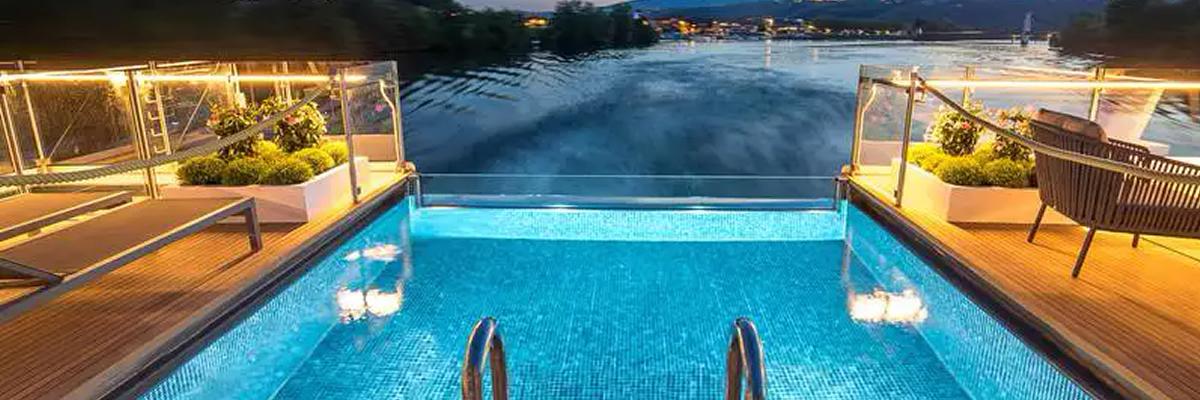 Amadeus Provence, piscina