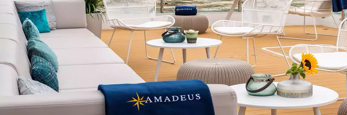 Amadeus Star, River Terrace