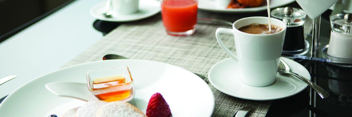 Desayuno en el Scenic Gem