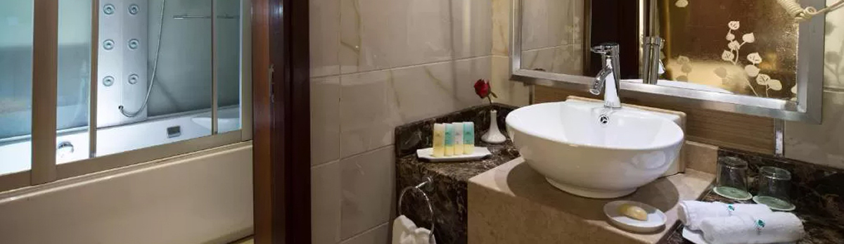 Esmeralda, baño cabina doble