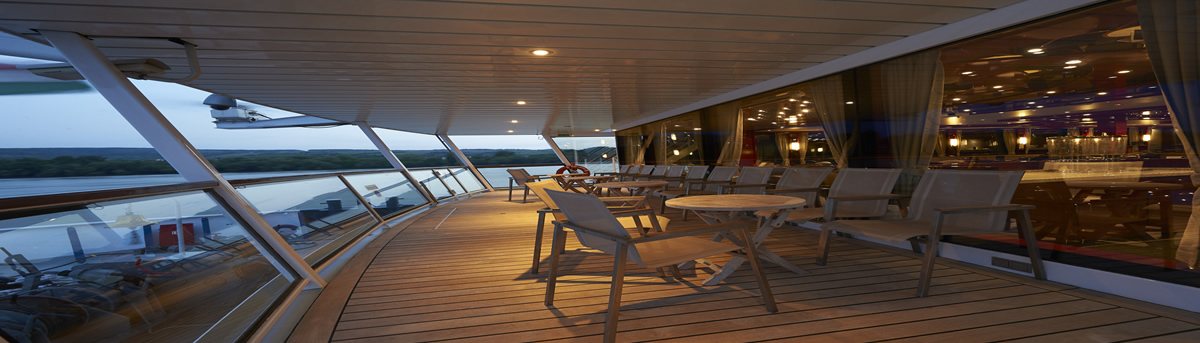 MS River Sapphire, lounge lido, terraza