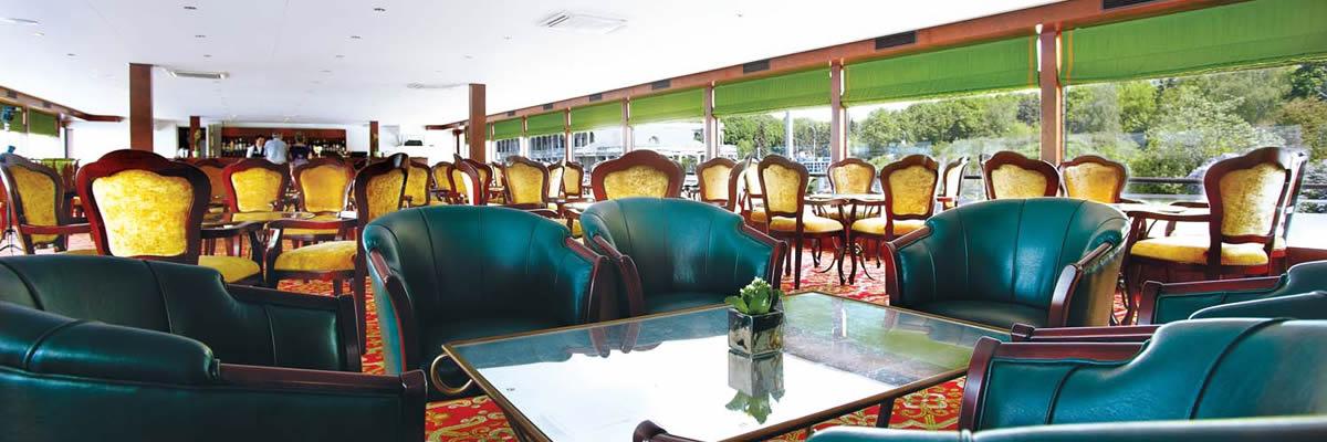 River Victoria, Lounge