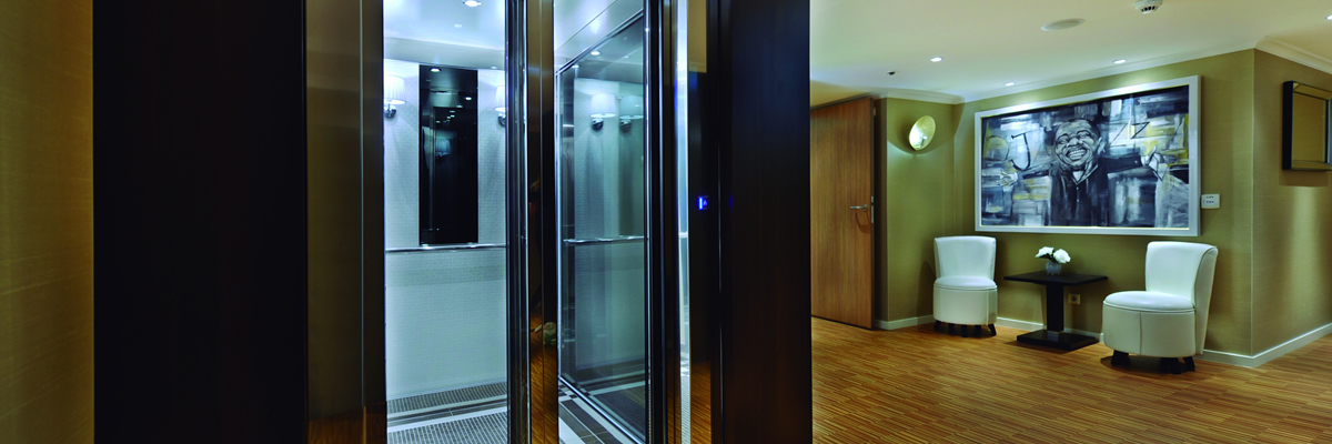River Voyager, ascensor