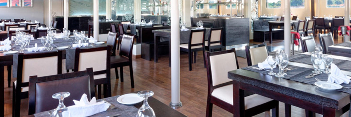 Nile Premium, Restaurante