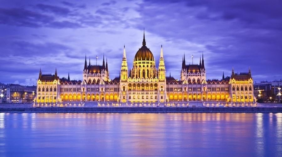 Mercadillos de Navidad en el Danubio en el Puente de Diciembre