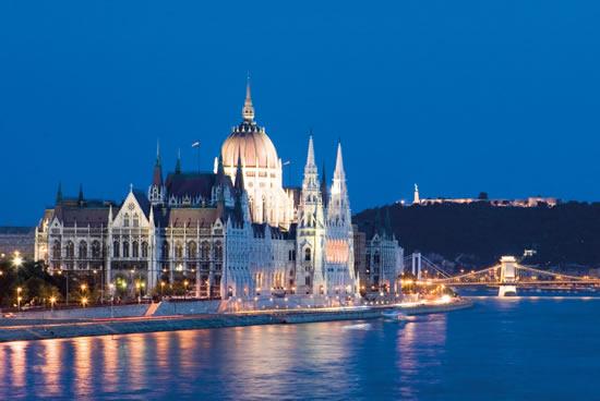 Budapest, Parlamento de noche