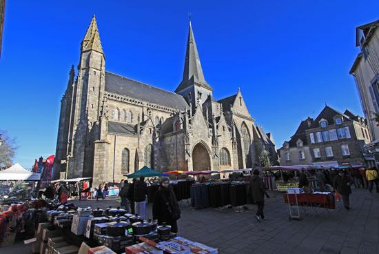 Guerande, Iglesia de Saint Aubin