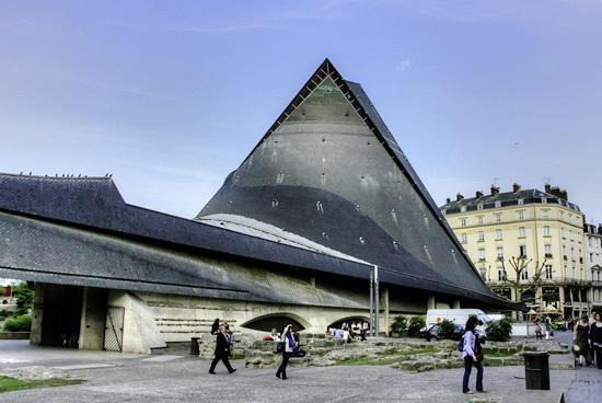 Rouen, Iglesiade santa Juana de Arco