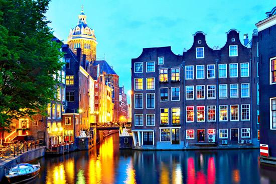 Amsterdam, Iglesia de San Nicolas