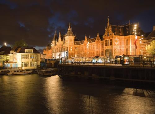 Ámsterdam, Landmarks (Estación Central)