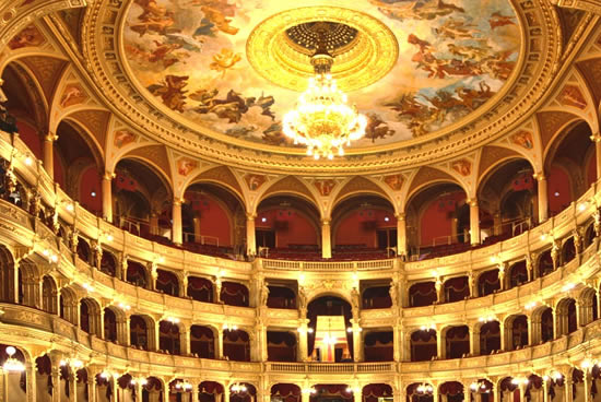 Budapest, Opera