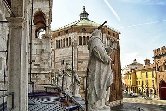 Cremona, Catedral Italia
