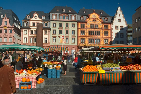 Maguncia, mercado semanal en la Plaza de la vida