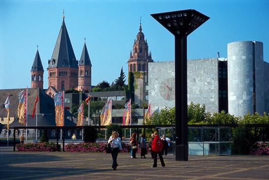 Maguncia, Rheingold Hall y Catedral