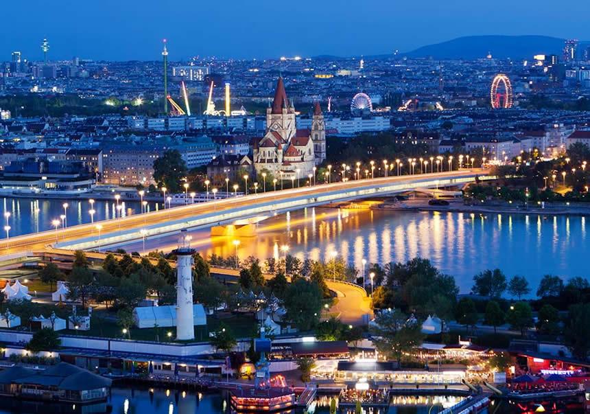 Viena iluminada, Austria, crucero por el Danubio